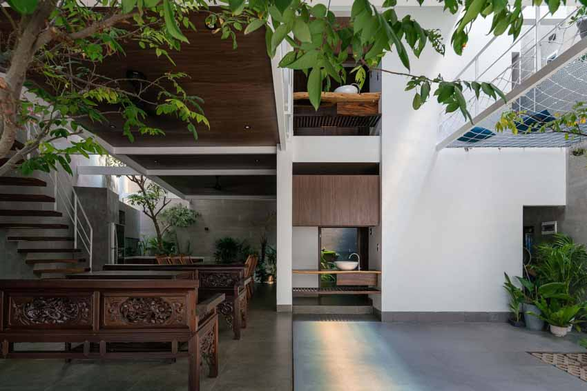 Ngôi nhà được thiết kế theo phong cách của chủ nhân: Ngoài lạnh lùng, trong ấm áp -3
