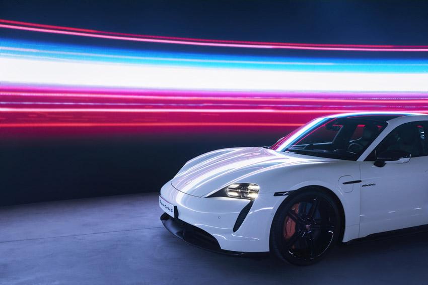 Porsche Việt Nam chính thức giới thiệu xe thể thao thuần điện Taycan - 7