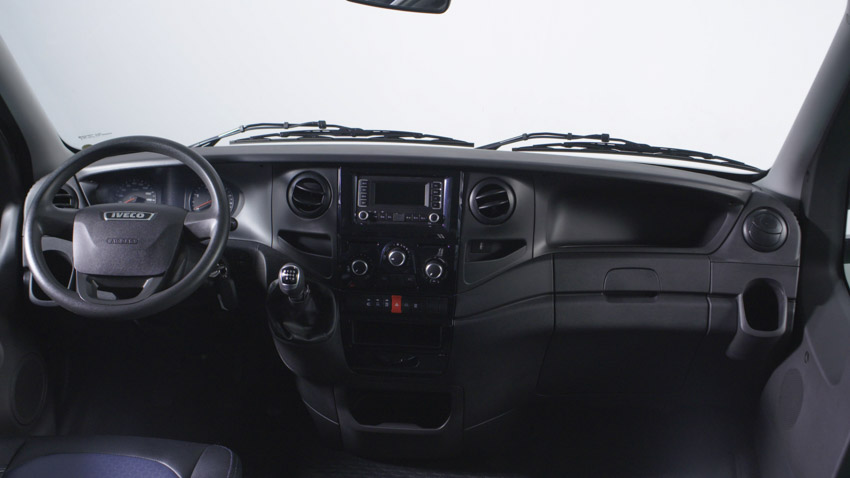 THACO giới thiệu dây chuyền sản xuất và ra mắt Mini Bus Iveco Daily - 19