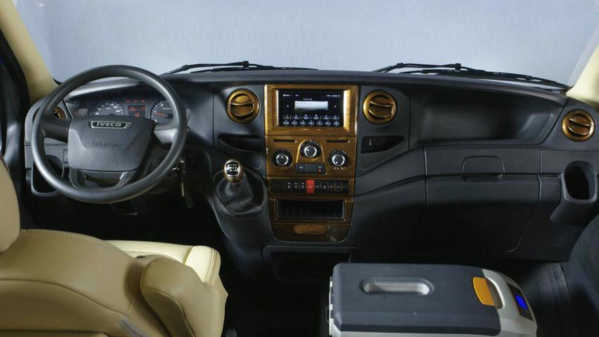 THACO giới thiệu dây chuyền sản xuất và ra mắt Mini Bus Iveco Daily - 23