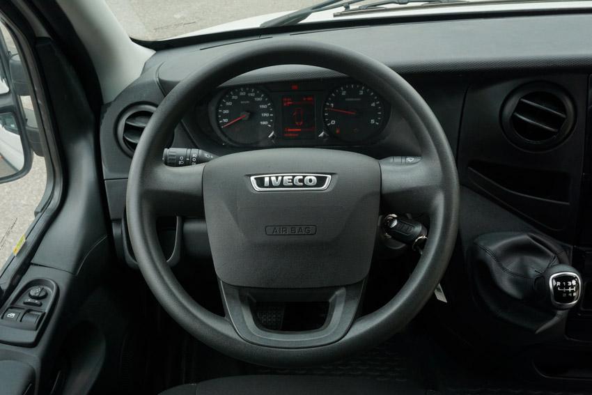 THACO giới thiệu dây chuyền sản xuất và ra mắt Mini Bus Iveco Daily - 12
