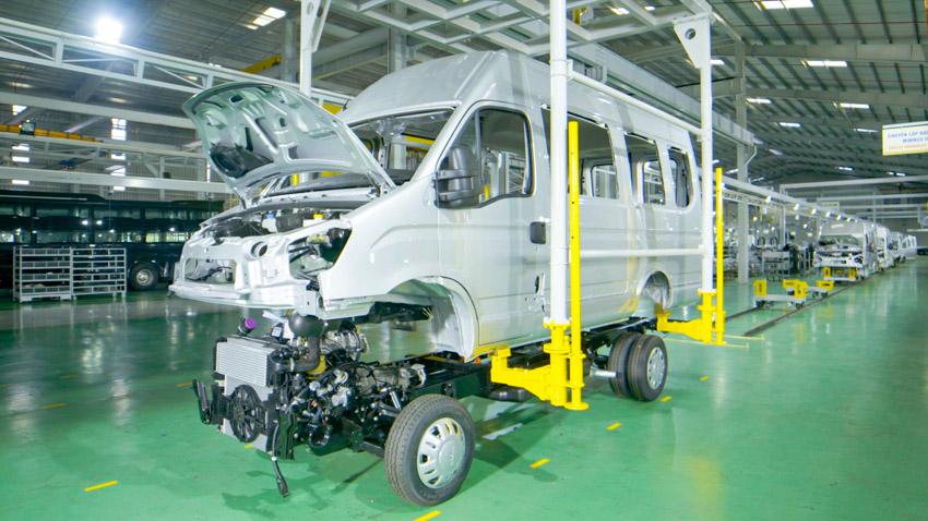 THACO giới thiệu dây chuyền sản xuất và ra mắt Mini Bus Iveco Daily - 2