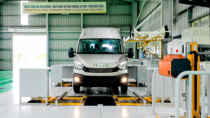 THACO giới thiệu dây chuyền sản xuất và ra mắt Mini Bus Iveco Daily - 5