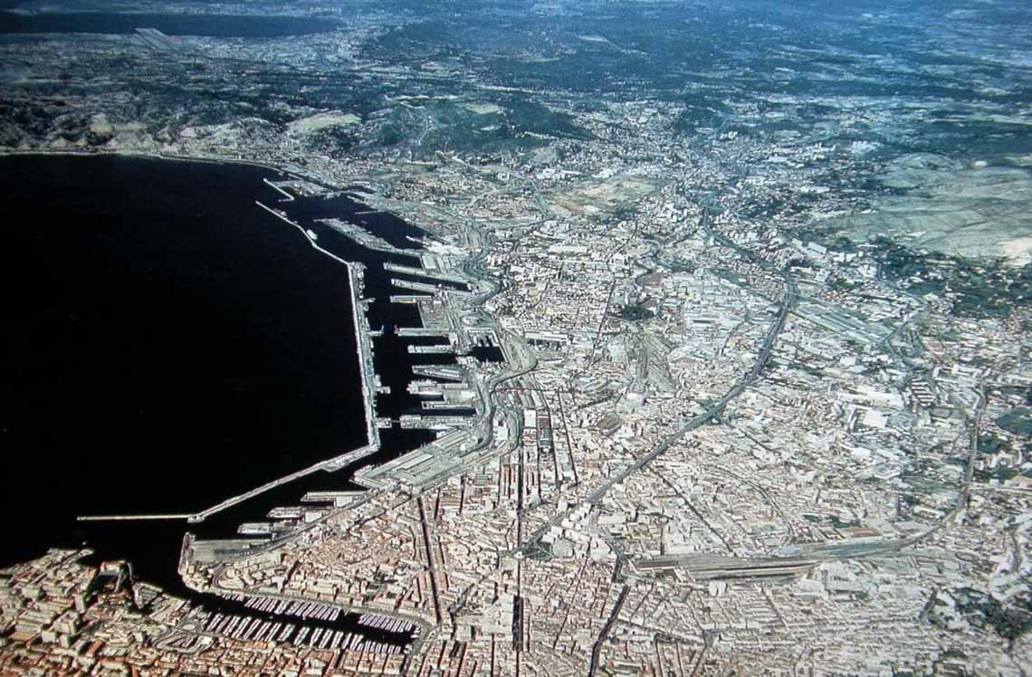 Đô thị đặc thù - Tiến biển bằng đô thị: Một số loại hình đô thị biển hiện nay -7