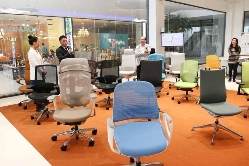 Mở showroom đầu tiên, ADAMOS đồng thời ra mắt phòng họp trực tuyến MITBOX -3