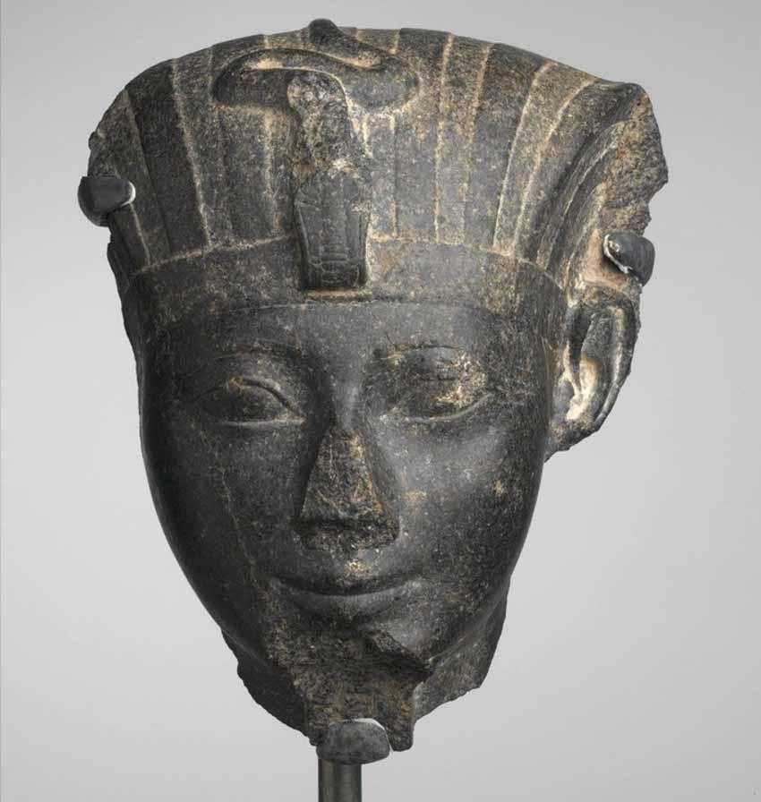 Tại sao các tác phẩm điêu khắc của Ai Cập cổ đại luôn bị gãy mũi? -2
