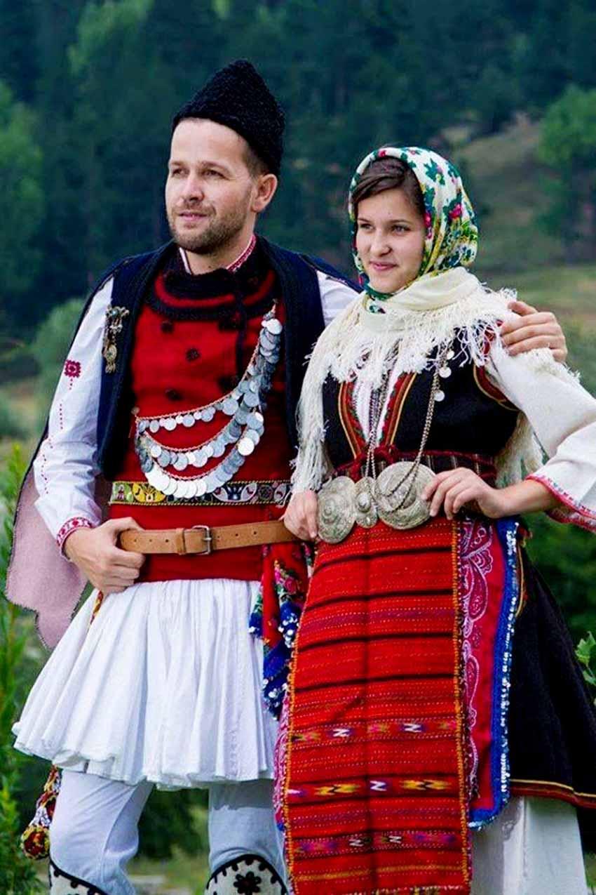 Nhiều nước vẫn mặc trang phục cổ truyền hàng ngày -2