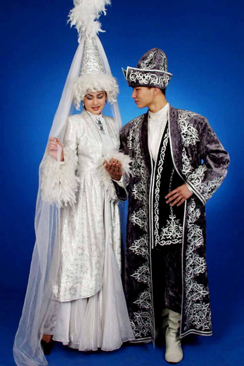 Nhiều nước vẫn mặc trang phục cổ truyền hàng ngày -4
