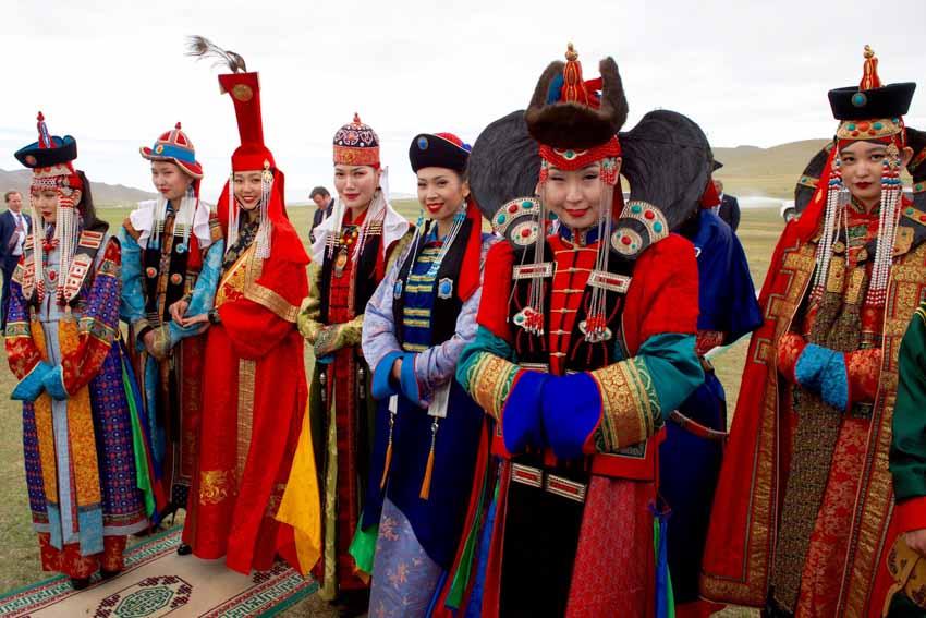 Nhiều nước vẫn mặc trang phục cổ truyền hàng ngày -6