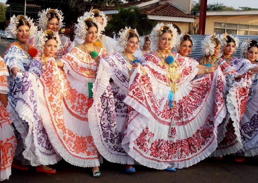 Nhiều nước vẫn mặc trang phục cổ truyền hàng ngày -9