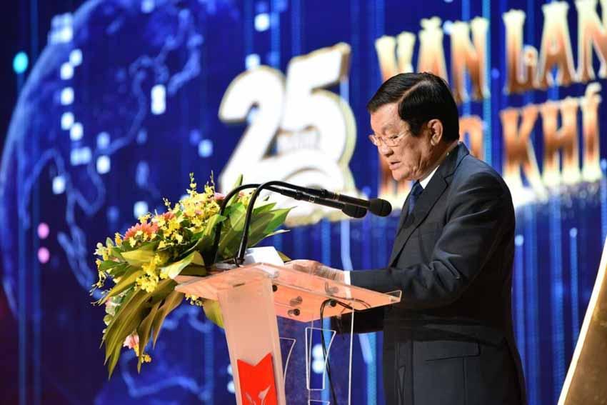 Đại học Văn Lang đón nhận Huân chương Lao động hạng Ba -3