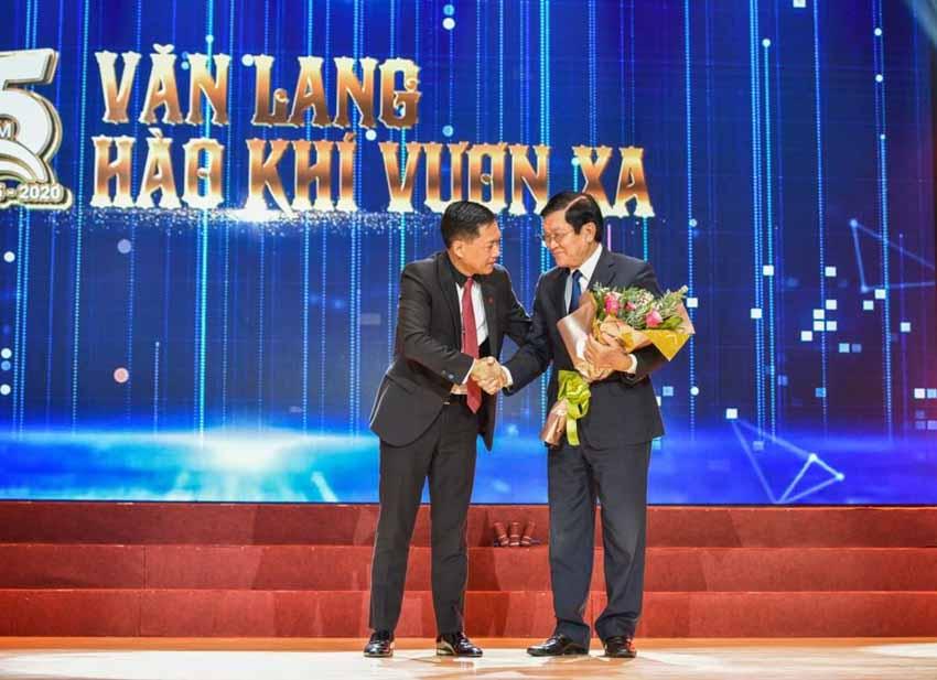 Đại học Văn Lang đón nhận Huân chương Lao động hạng Ba -4