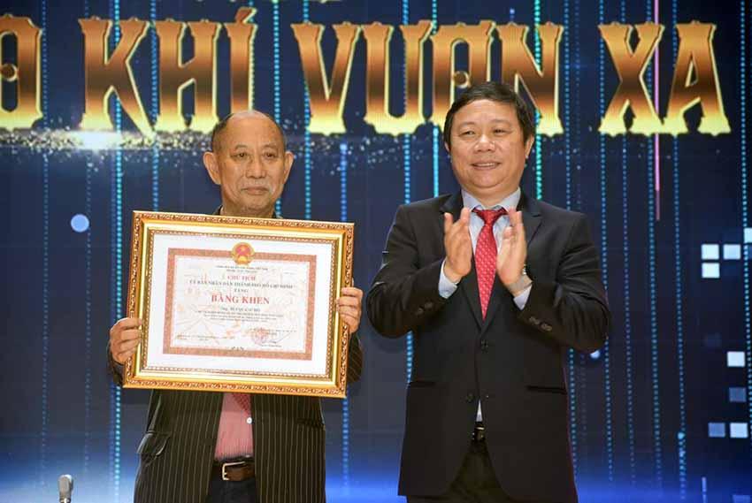 Đại học Văn Lang đón nhận Huân chương Lao động hạng Ba -6
