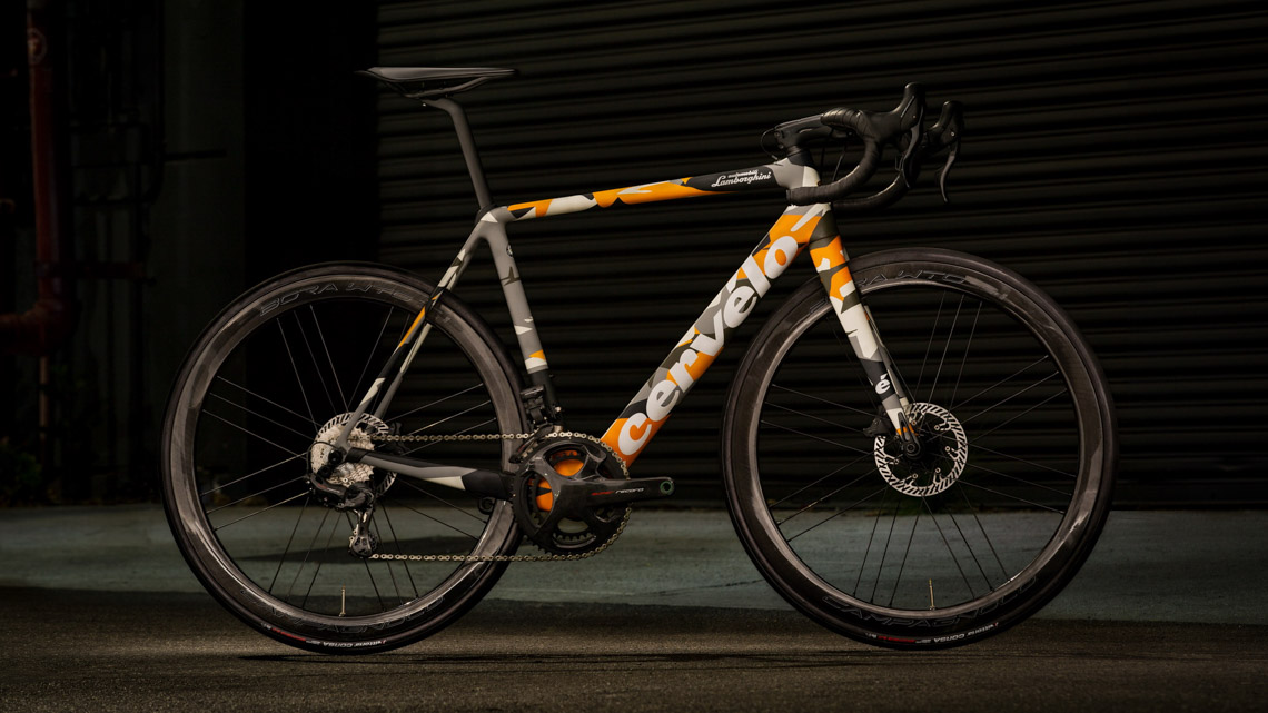 Lamborghini và Cervélo đã tạo ra một chiếc xe đạp tinh tế như Aventador-1
