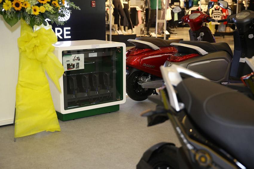 Vinfast đồng loạt khai trương 21 showroom ô tô và xe máy điện - 2