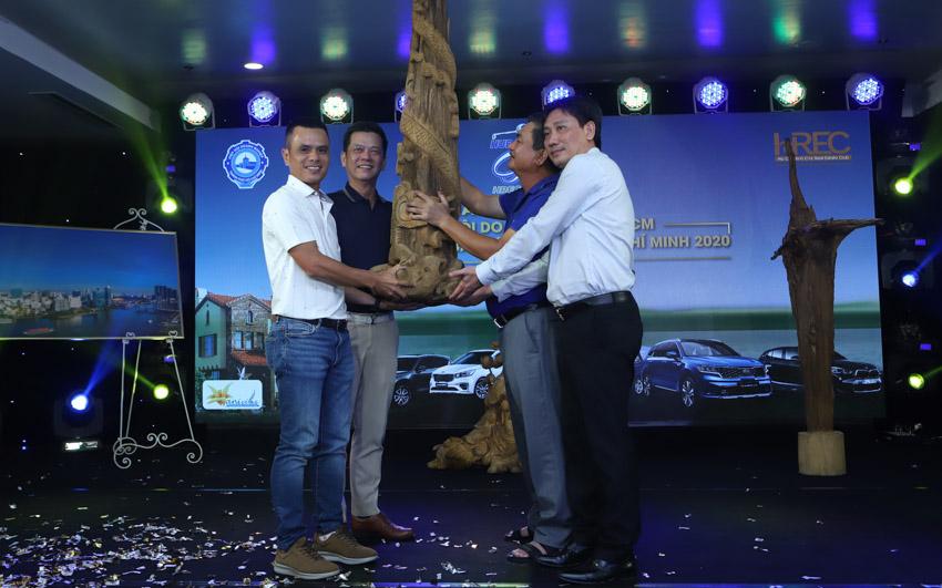 Giải Golf từ thiện HUBA & HREC 2020 quyên góp hơn hai tỷ đồng gây quỹ từ thiện-13