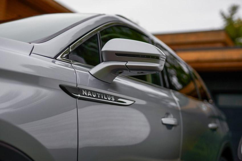 """Lincoln Nautilus 2021 cú """"lột xác"""" đầy ngoạn mục, cạnh tranh Lexus GX 460 - 12"""
