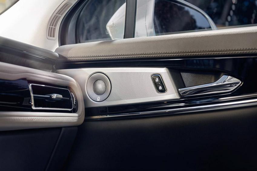 """Lincoln Nautilus 2021 cú """"lột xác"""" đầy ngoạn mục, cạnh tranh Lexus GX 460 - 17"""