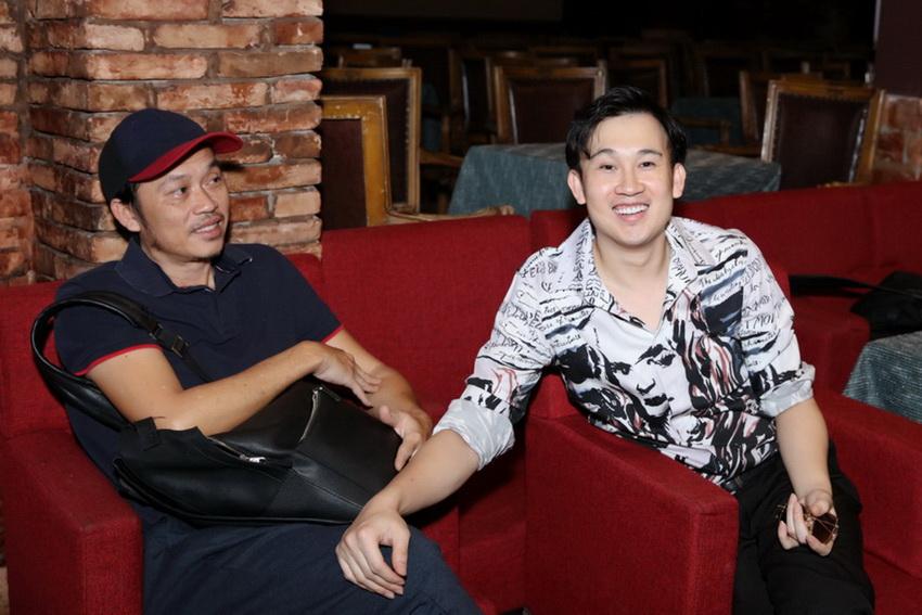 Anh em Hoài Linh , Dương Triệu Vũ tập bài hát tặng mẹ 003
