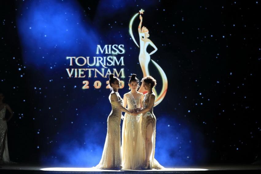 Đêm chung kết Miss Tourism Vietnam 2020 bất ngờ với kết quả chưa từng có 014