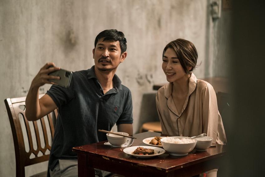 Khổng Tú Quỳnh bị Huy Khánh tát tay trong MV mới của Hoài Lâm 002