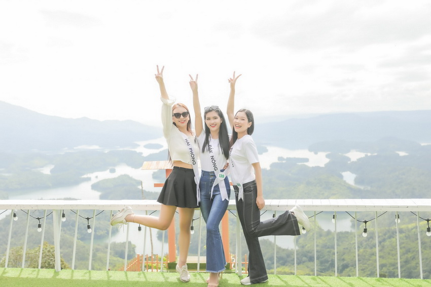 Top 32 Miss Tourism Vietnam 2020 tham quan Vườn quốc gia Tà Đùng, tham gia Lễ hội Sum họp Cộng đồng 2020 003