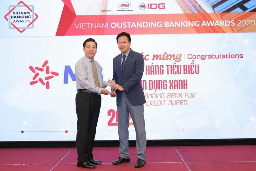 MB được vinh danh 'Ngân hàng tiêu biểu về tín dụng xanh' và 'Ngân hàng đồng hành cùng doanh nghiệp SME' -3