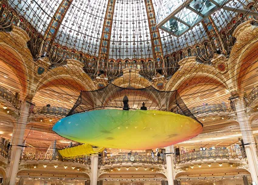 Cuối năm, tham quan trung tâm thương mại lớn nhất Paris -11