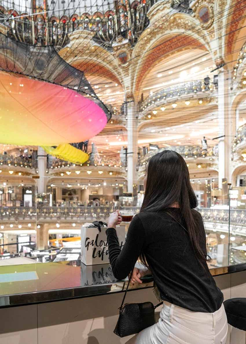 Cuối năm, tham quan trung tâm thương mại lớn nhất Paris -12