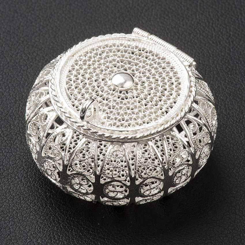 Từ những sợi dây bạc đến nghề phẩm chạm lộng tuyệt mỹ của Ấn Độ - 11