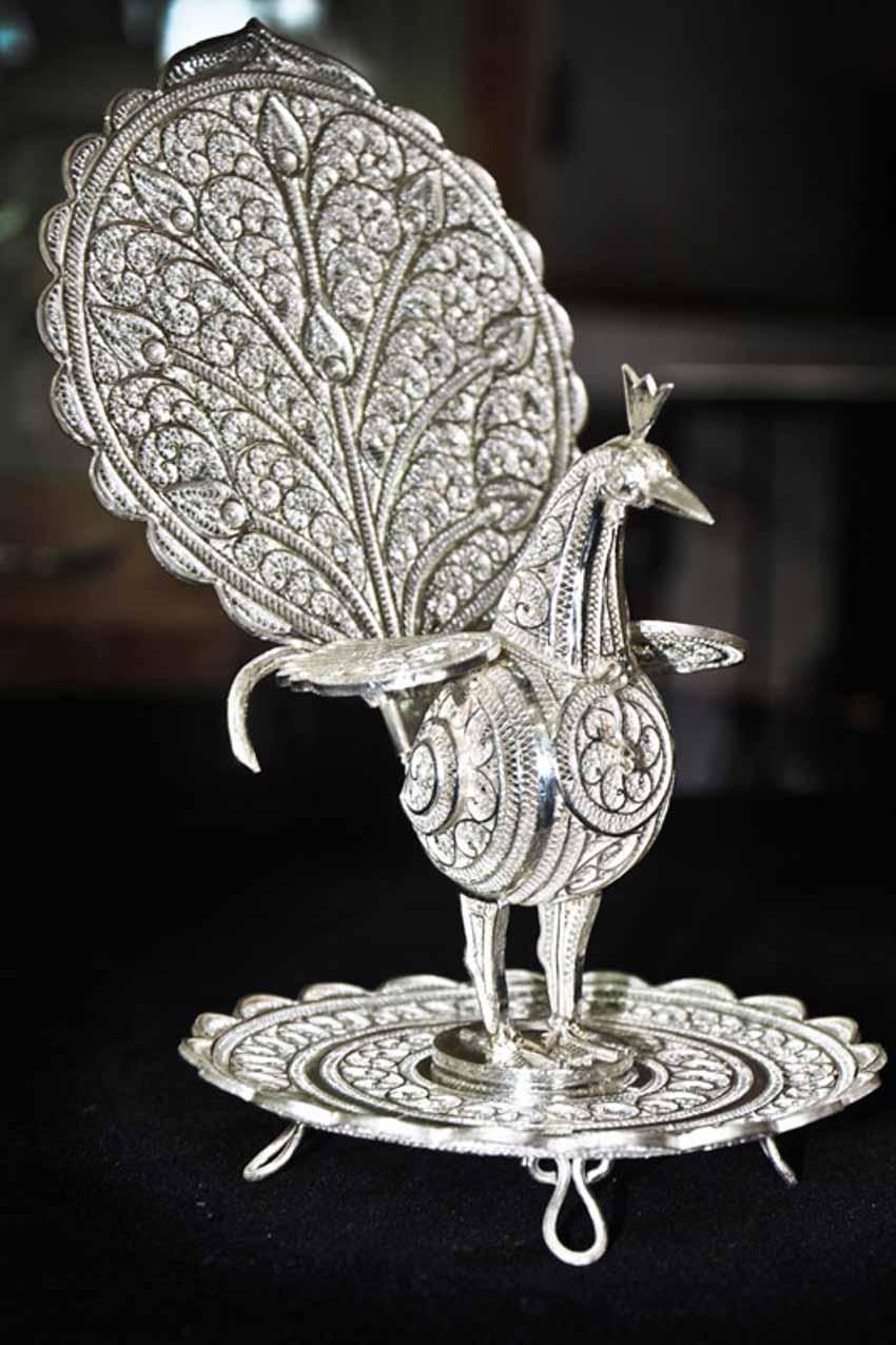 Từ những sợi dây bạc đến nghề phẩm chạm lộng tuyệt mỹ của Ấn Độ - 15
