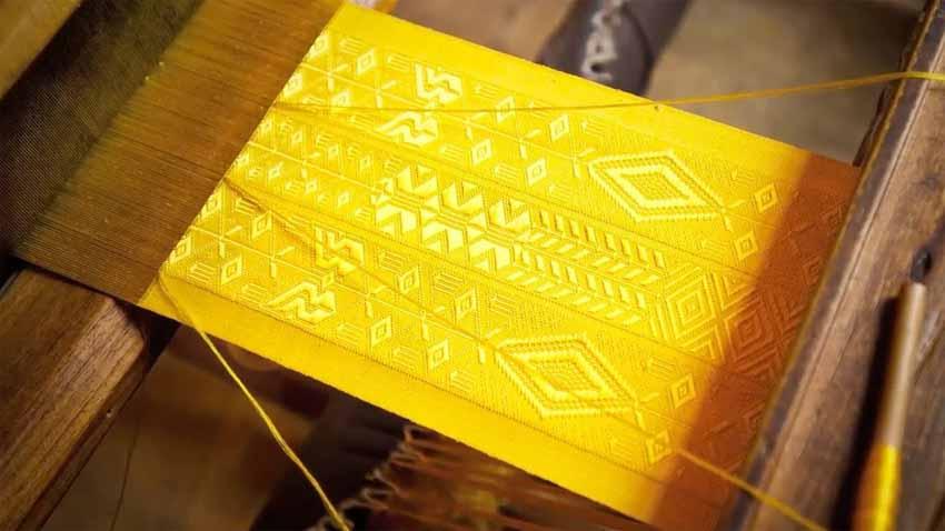 Những hàng vải lạ lùng được dùng may trang phục -1