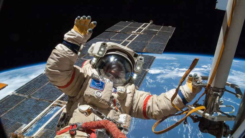 Mỹ lại tự đưa người lên ISS và cuộc cách mạng trang phục không gian -5
