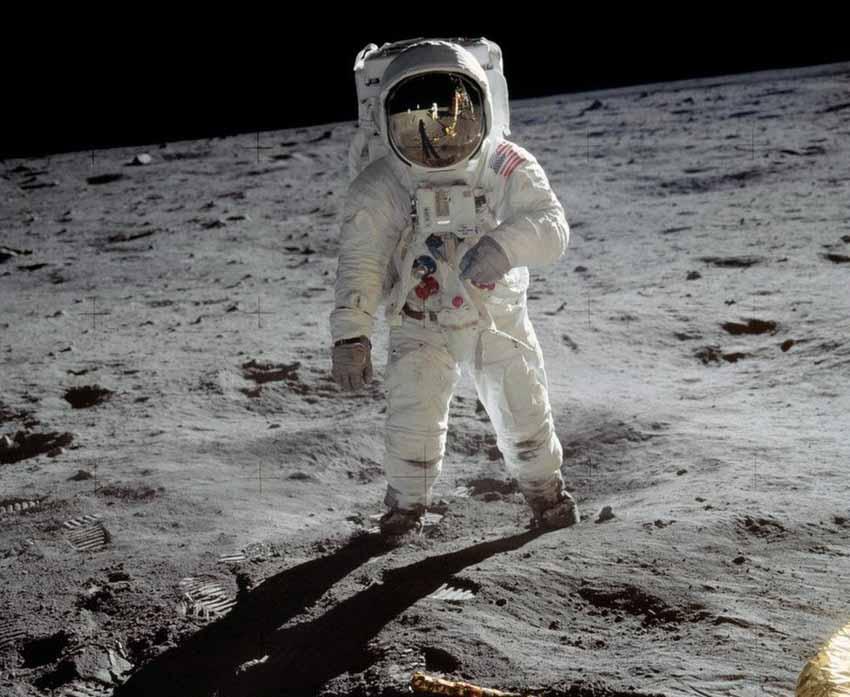 Mỹ lại tự đưa người lên ISS và cuộc cách mạng trang phục không gian -7