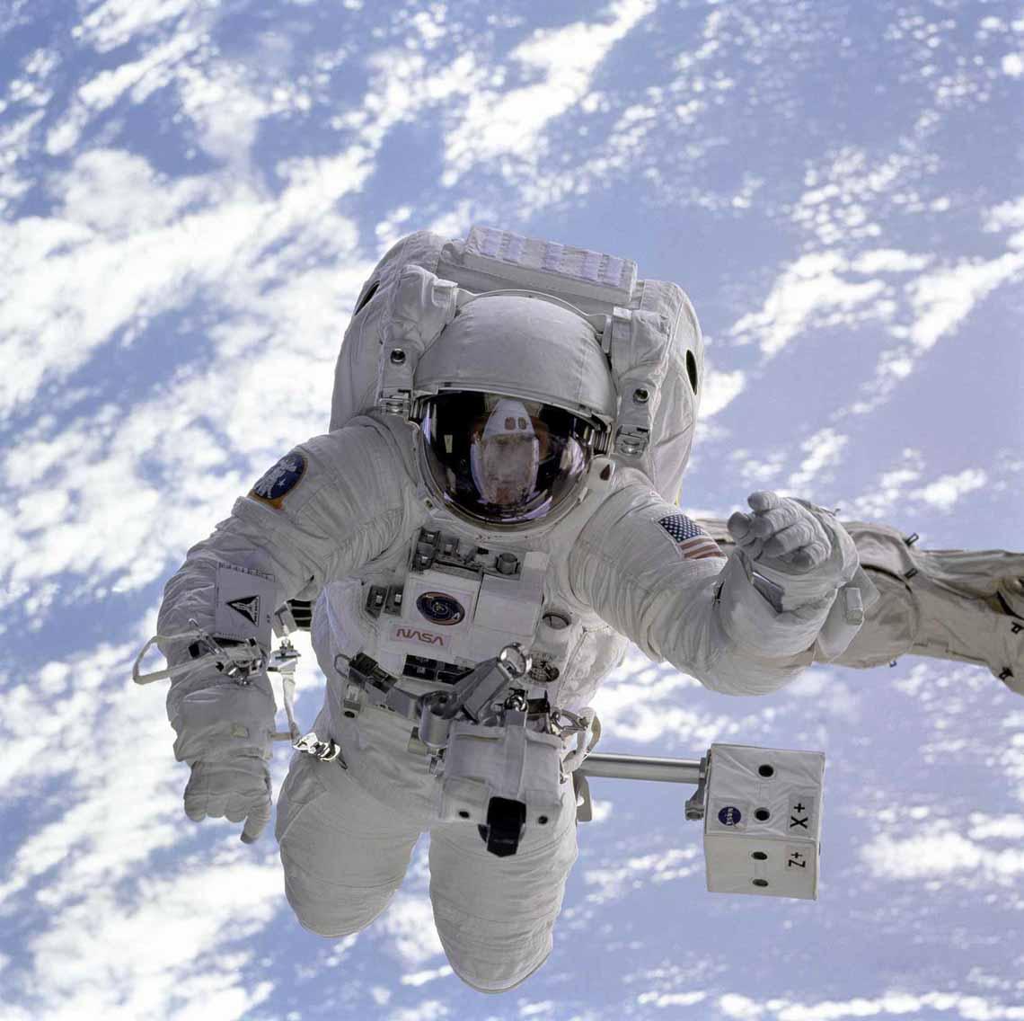 Tổng hợp những bức ảnh kinh ngạc về Trái Đất dưới góc nhìn ngoài không gian -5