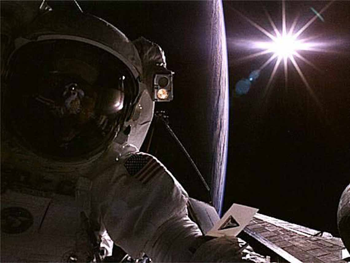 Tổng hợp những bức ảnh kinh ngạc về Trái Đất dưới góc nhìn ngoài không gian -7