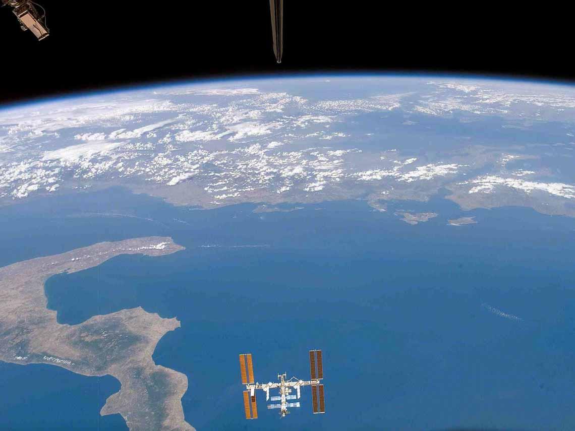 Tổng hợp những bức ảnh kinh ngạc về Trái Đất dưới góc nhìn ngoài không gian -9