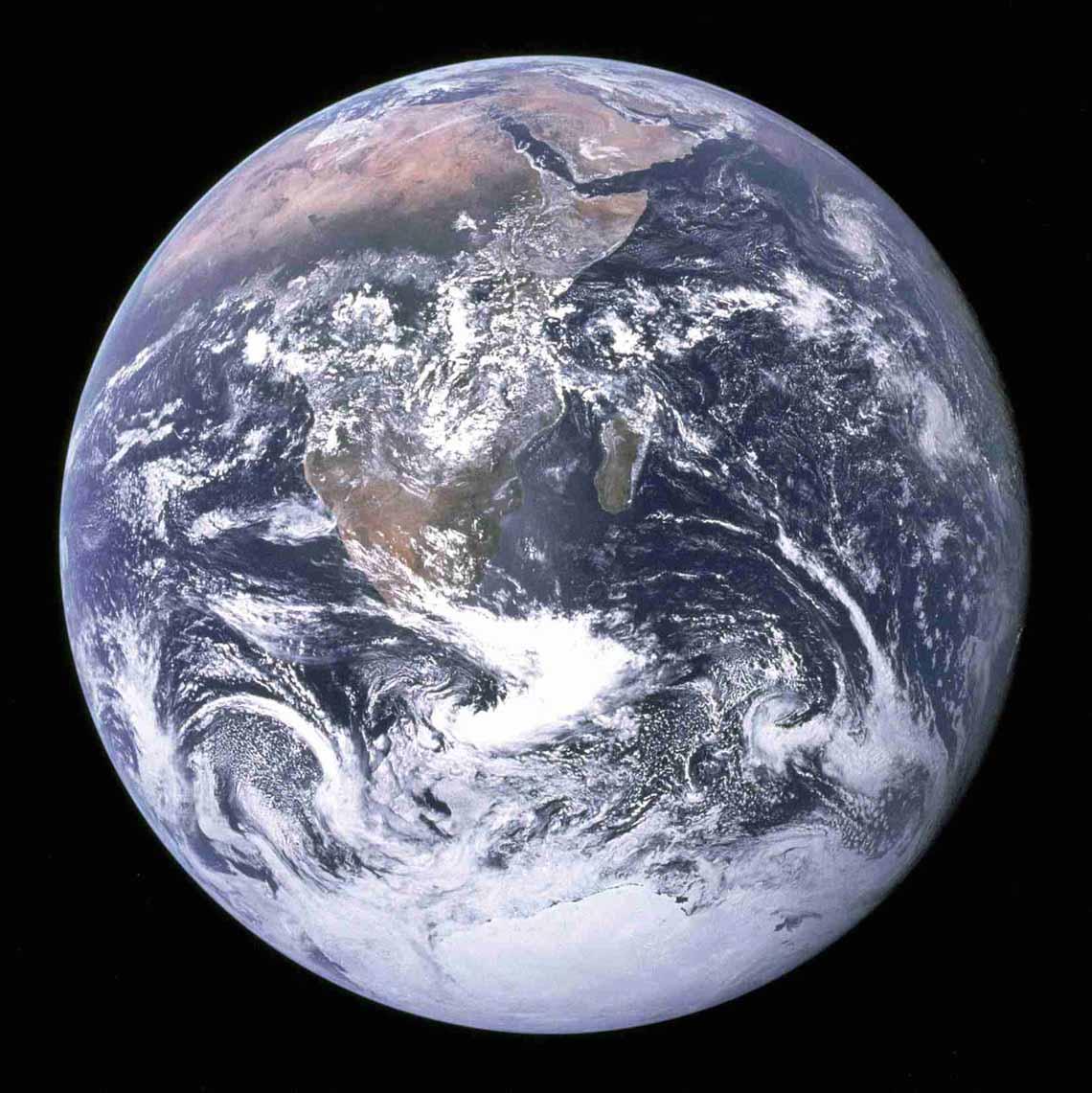 Tổng hợp những bức ảnh kinh ngạc về Trái Đất dưới góc nhìn ngoài không gian -13