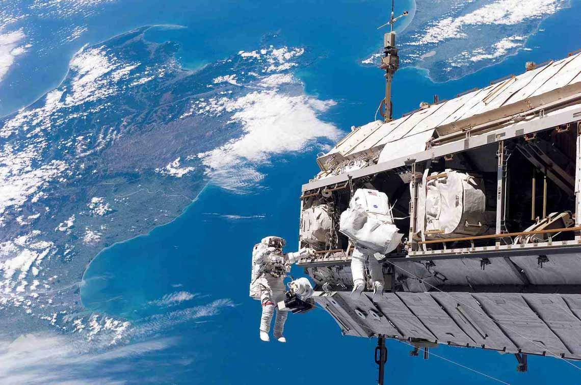 Tổng hợp những bức ảnh kinh ngạc về Trái Đất dưới góc nhìn ngoài không gian -15