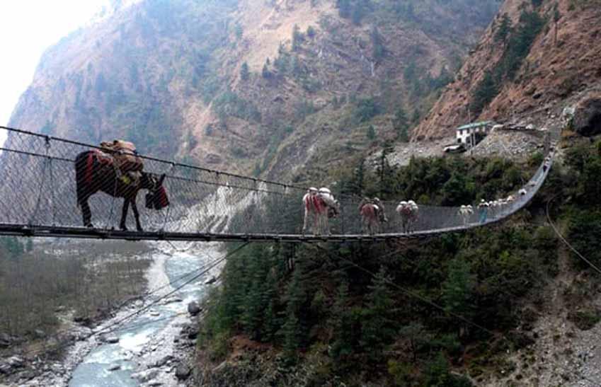 10 cây cầu đáng sợ mà bạn không muốn đi qua -5