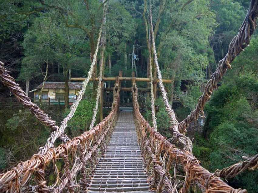 10 cây cầu đáng sợ mà bạn không muốn đi qua -6