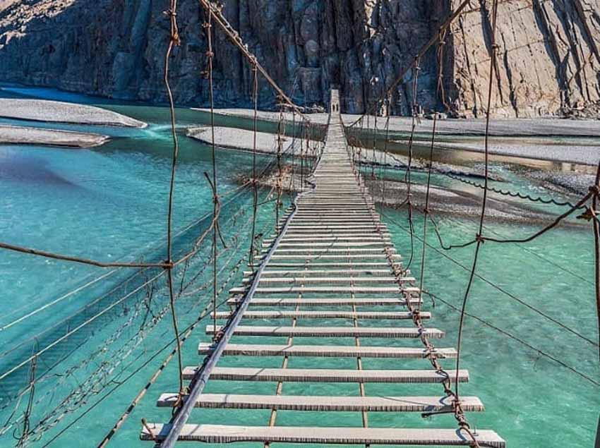 10 cây cầu đáng sợ mà bạn không muốn đi qua -10