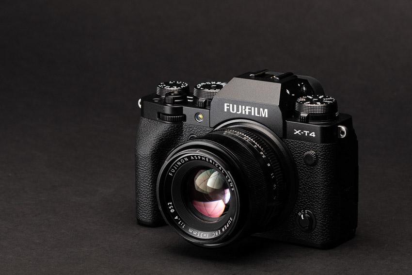 Máy ảnh Fujifilm X-T4 và X-S10 được đánh giá máy ảnh tốt nhất trong năm 2020 - 2