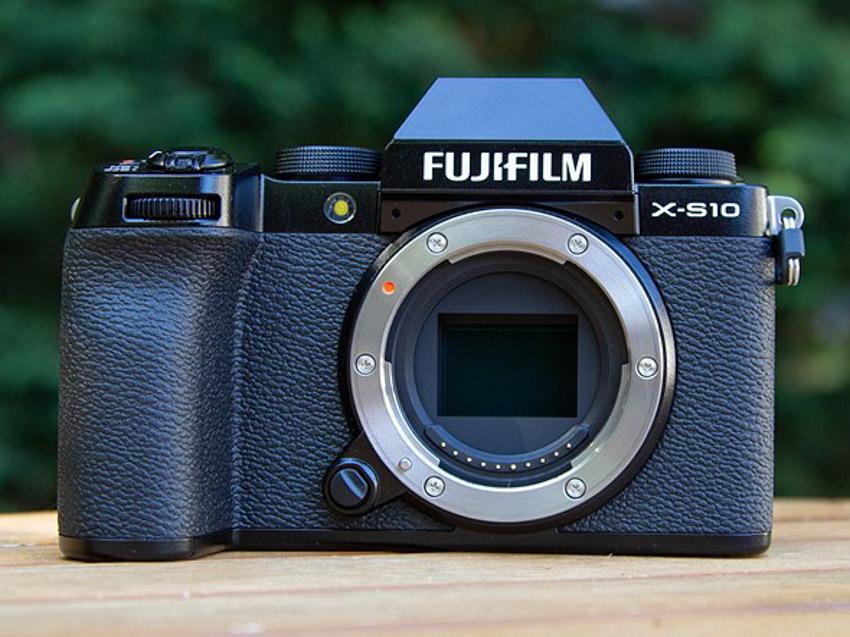 Máy ảnh Fujifilm X-T4 và X-S10 được đánh giá máy ảnh tốt nhất trong năm 2020 - 3