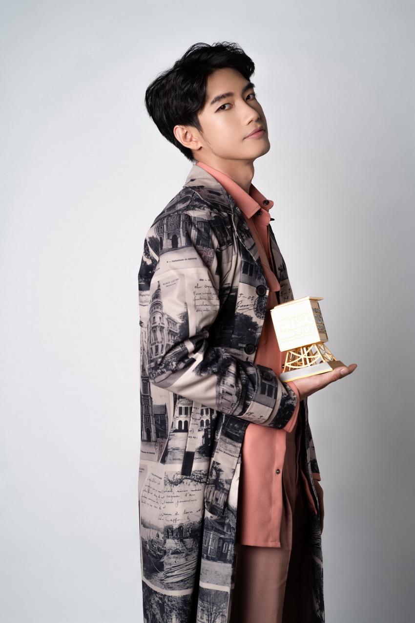 """Quang Đăng thắng giải MAMA với hạng mục """"Best Choreographer of the Year"""" 00"""