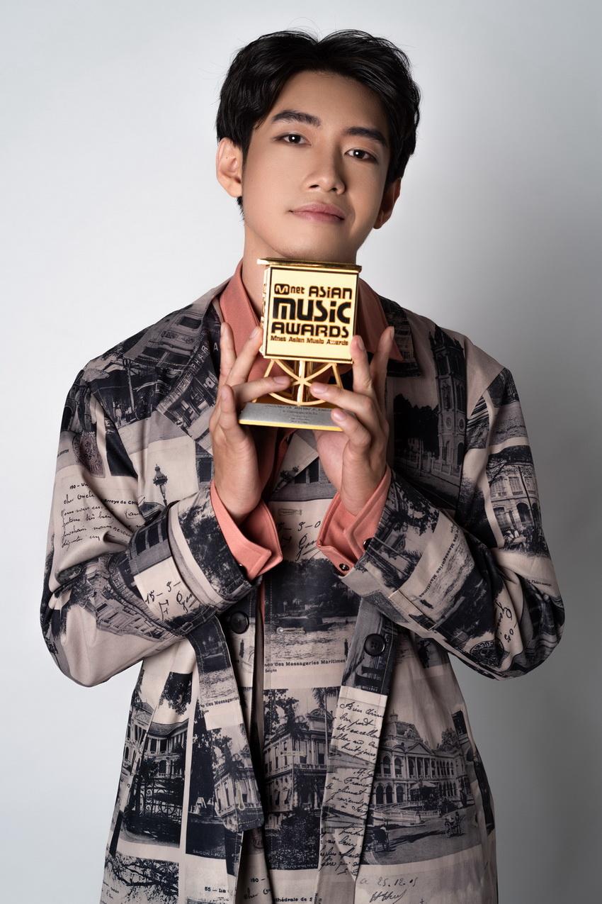 """Quang Đăng thắng giải MAMA với hạng mục """"Best Choreographer of the Year"""" 05"""