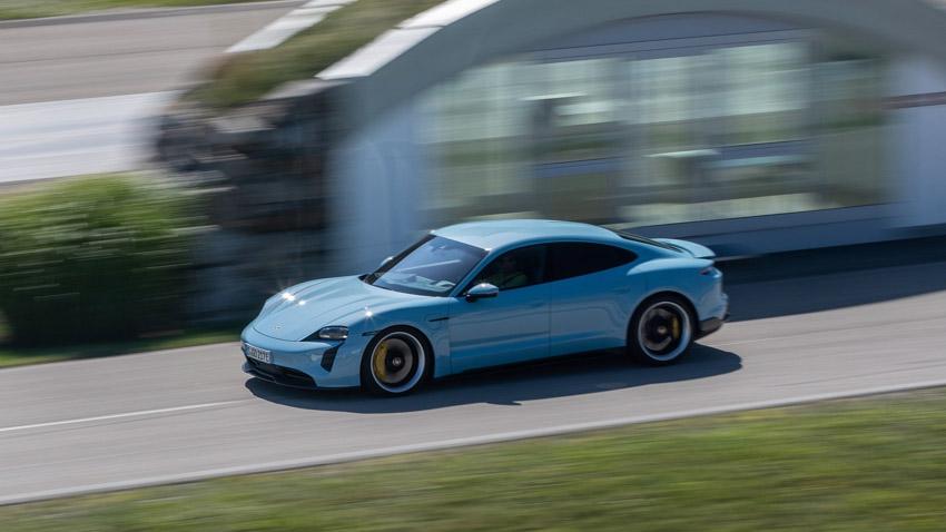 Porsche đã giao tổng cộng 272.162 xe đến khách hàng trên toàn thế giới trong năm 2020 - 2