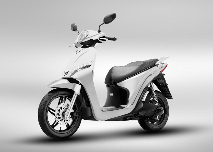 Vinfast ra mắt hai dòng xe máy điện mới và công bố mô hình trải nghiệm mua sắm O2O - 1