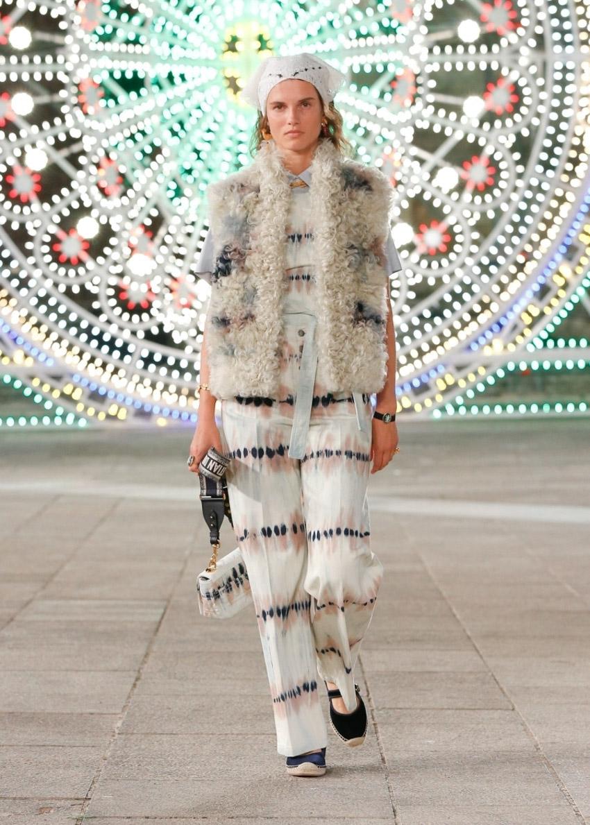 Chiếc túi Dior Caro: Sự kết hợp giữa tính sáng tạo cùng kỹ thuật điêu luyện-6