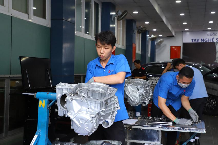 Car Service Unitour - Chương trình Trải nghiệm dịch vụ ô tô tại các trường đại học-10